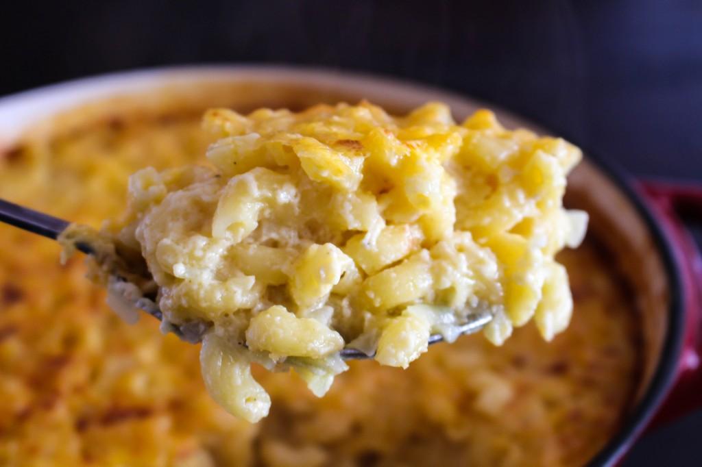 Mom's Mac & Cheddar | Yes to Yolks