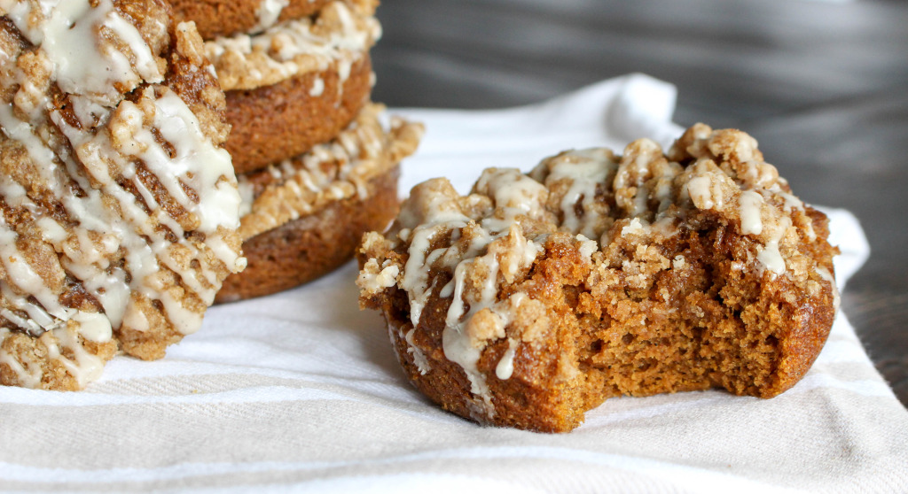 Baked Pumpkin Donuts with Coffee Cake Streusel & Maple Glaze | Yes to Yolks