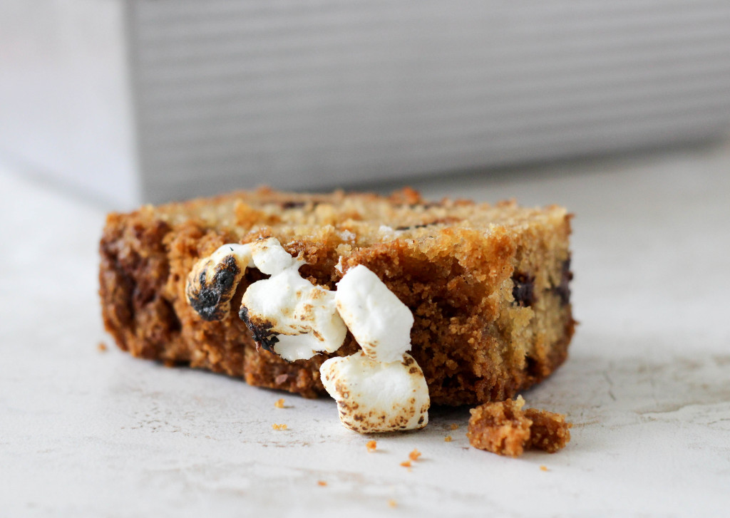 S'mores Quick Bread with Graham Cracker Streusel & Toasted Marshmallows | Yes to Yolks