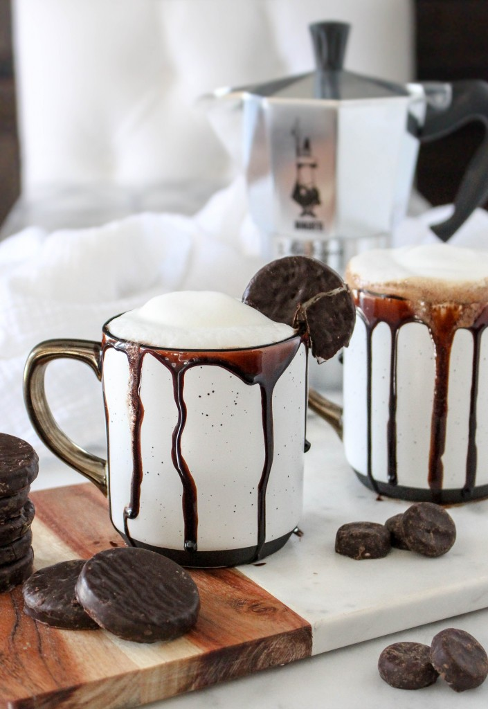 Peppermint Patty Mochas | @yestoyolks.com