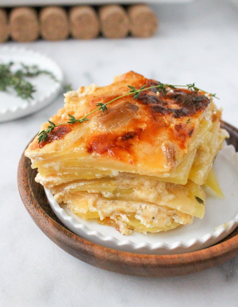 Roasted Garlic & Gouda Potato Gratin | yestoyolks.com
