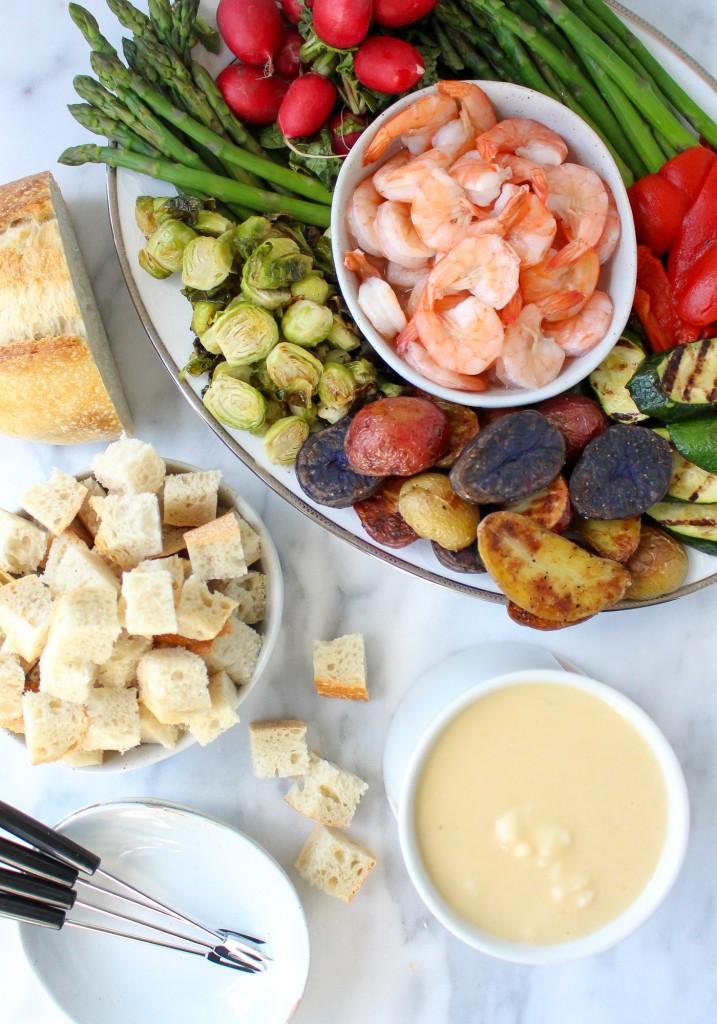 Lobster Bisque Fondue | yestoyolks.com