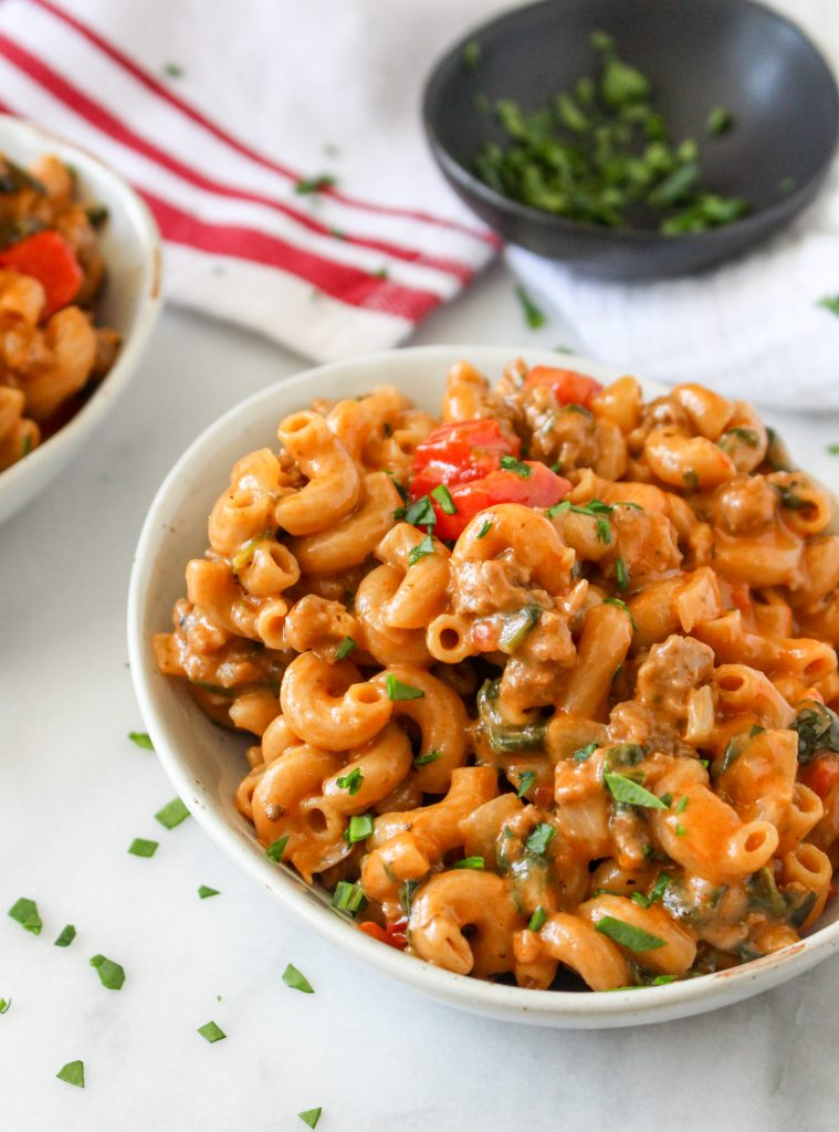 One-Pot Cheesy Beef Macaroni | yestoyolks.com