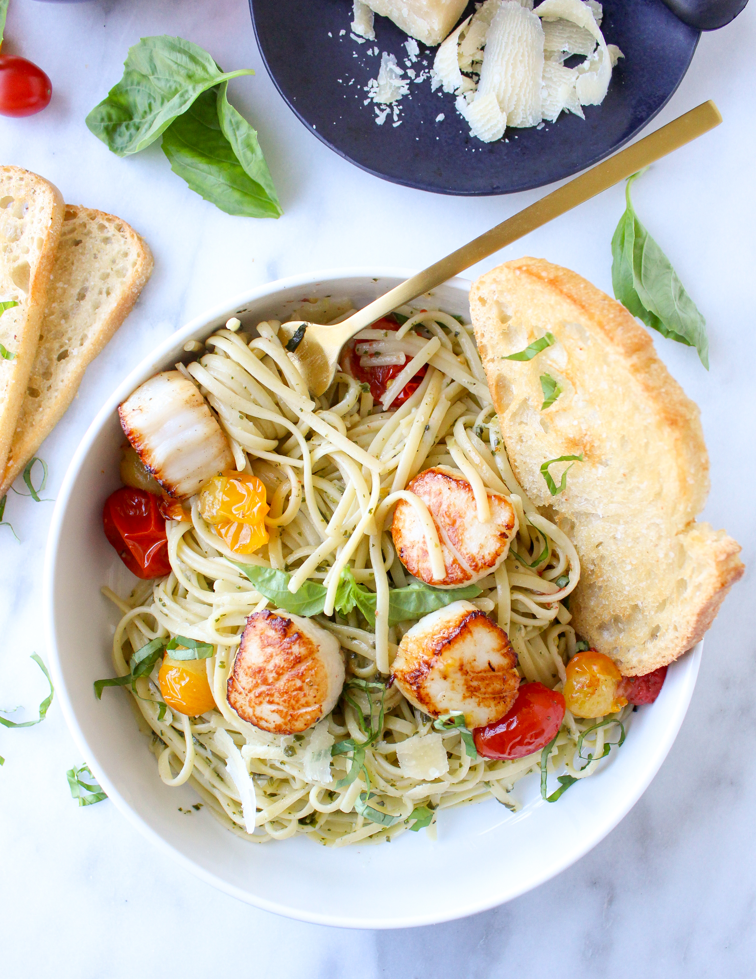 Pesto Linguine with Scallops & Blistered Tomatoes