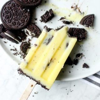 Spiked Cookies & Cream Pudding Pops