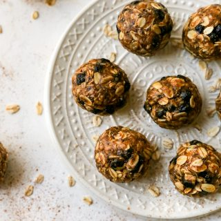 No-Bake Blueberry Oatmeal Protein Balls
