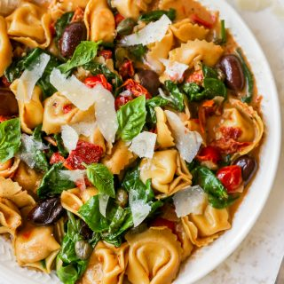 One-Pan Sundried Tomato Tortellini Puttanesca